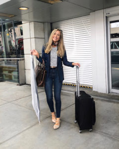 classy-travel-outfit