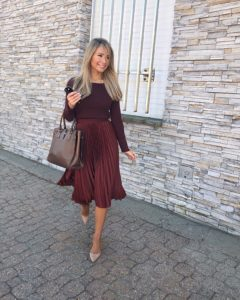 hm-burgundy-monochromatic-outfit